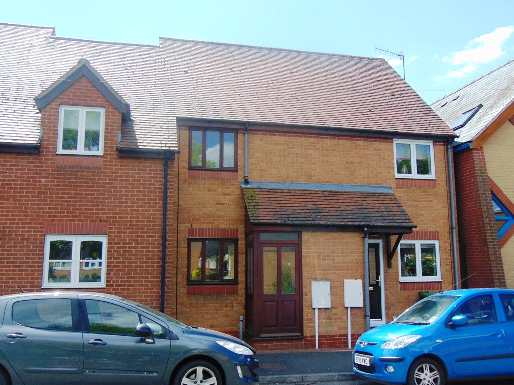 Courtlands, Bewdley Street, Evesham, WR11 4AD